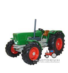 Tyro Toys Deutz D10006 Traktor 1/32