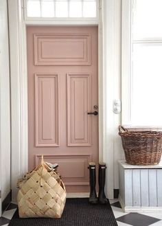 feng sui front door apartment pink color Looking for a perfect feng shui color for your front door? We have stunning front door colors with great feng shui energy all ready for you, choose yours! Front Door Paint Colors, Painted Front Doors, Front Door Decor, Best Front Door Colors, Colored Front Doors, Farrow And Ball Front Door Colours, Coloured Doors, Couleur Feng Shui, Feng Shui Front Door