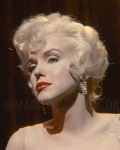 Women Laughing, Some Like It Hot, Rare Images, Clips, Old Hollywood, Marilyn Monroe, American Actress, Movie Stars, Singer