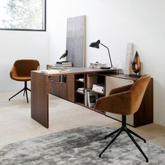 New year, new you! Get organised with the Copenhagen desk by Morten Georgsen and work in style. The various sized drawers allow you to keep a tidy look, while filing inserts ensure optimal order of documents, so you can work more efficiently. Completed the look with the Vienna chairs. Customise to suit your space and style