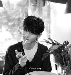 Ulzzang Korea, Wonwoo, Kpop Boy, Favorite Person, Boy Groups, Midnight Memories, Actors, Boys, Wattpad