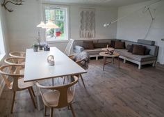 tid for hjem Dining Room, Dining Table, Color Inspiration, Flooring, Interior Design, Lounge Ideas, House, Norway, Furniture