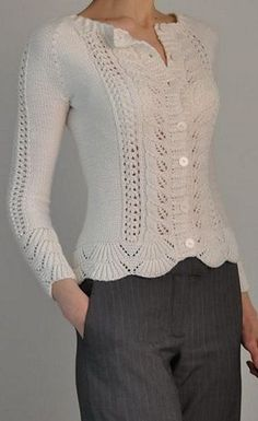 Knitting pattern for Rambling Rose Cardigan This is barces one-color version of Laura Zukaites lace long-sleeved cardigan, originally designed for two colors. Sweater Knitting Patterns, Cardigan Pattern, Knitting Designs, Knit Patterns, Sweater Cardigan, Free Knitting Patterns For Women, Pull Crochet, Knit Crochet, Free Crochet