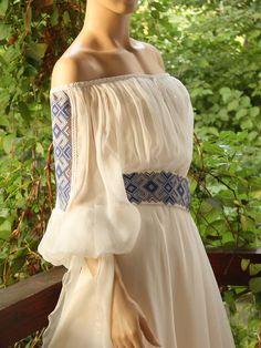 ; Ethnic Fashion, Boho Fashion, Fashion Dresses, Fashion Design, Romanian Wedding, Ethno Style, Mode Simple, Traditional Wedding Dresses, Europe Fashion