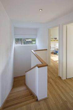 Treppenhaus: moderner Flur, Diele & Treppenhaus von puschmann architektur
