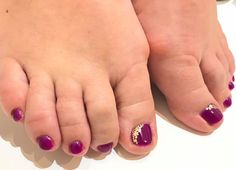 Toes purple