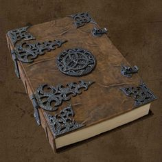 Oh my, it's my guest book. This would be just the thing! Oh my, it's my guest book. This would be just the thing! Journal Covers, Book Journal, Journals, Notebooks, Medieval Books, Buch Design, Leather Books, Busy Book, Handmade Books