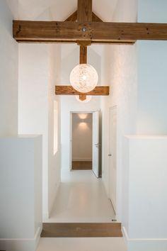 Kabaz - Monumentale woonboerderij - Hoog ■ Exclusieve woon- en tuin inspiratie. Wall Lights, Ceiling Lights, Entrance, Lighting, Modern, House, Inspiration, Home Decor, Interior Ideas