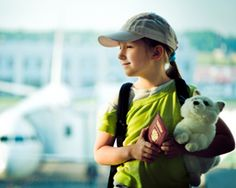 Pack favorite toys when you travel with kids. Some kids will not go to sleep without their favorite toy. Taking along a pair of earplugs is always good travel advice. These will help you if you have a noisy neighbor. Travel Tours, Travel Advice, Travel With Kids, Family Travel, Third Culture Kid, Kids Luggage, Hand Luggage, Single Travel, Fear Of Flying