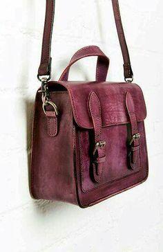 Jesslyn Blake Double Buckle Leather Messenger Bag in Purple 5f02da10e491f
