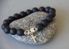 bracelet skull , croix , perles noires de tourmaline .Très belle qualité : Bijoux pour hommes par made-with-love-in-aiacciu