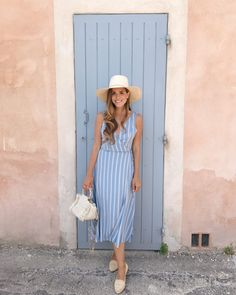 Daily Look Outfit Details: Privacy Please Dress (more sizes here), Cuyana Hat, Sezane Flats, Carolina Santo Domingo Bag Mode Chic, Jane Birkin, Gal Meets Glam, Daily Look, Women's Summer Fashion, Mode Inspiration, Dress Code, Summer Looks, Spring Outfits