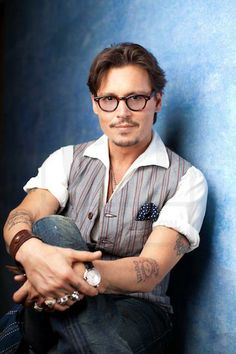 Johnny Depp the Best Actor in the World added a new photo. Hot Actors, Handsome Actors, Actors & Actresses, Tim Burton, Kentucky, The Hollywood Vampires, Hollywood Stars, Johnny Depp Pictures, Jonny Deep