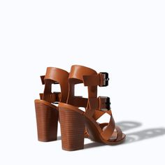 ZARA - WOMAN - LEATHER SANDAL WITH BLOCK HEEL AND WIDE STRAPS