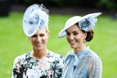 Kate Middleton (and Her Flower Hat!) Lights up Royal Ascot Alongside Prince William and the Queen Kate Middleton Queen, Kate Middleton Prince William, Prince William And Catherine, William Kate, Pippa Middleton, Royal Ascot, Ran Nfl, Cornflower Blue Dress, Royal Families
