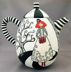 Wanda Shum flikr Ode to Night Circus teapot Ceramic Teapots, Ceramic Pottery, Ceramic Art, Bistro Design, Tee Set, Teapots Unique, Night Circus, Teapots And Cups, My Cup Of Tea