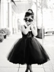 I need to make this dress for Chandlee. Will someone please get married so I have an excuse to do so!