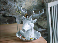 Who needs a Taxidermist when you can have this picturesque ceramic deer trophy head instead? Dangle you favorite necklaces and earrings from the Adorn Jewelry Holder's antlers or keep those precious j Antler Jewelry Holder, Head Jewelry, Jewelry Stand, Jewellery Holder, Antler Ring, Jewellery Storage, Jewelry Organization, Oh Deer, Stag Deer