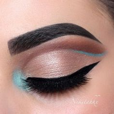 Something a bit different  Using @anastasiabeverlyhills Dipbrow 'Dark Brown', @chichicosmeticsofficial 'Mochas' Eyeshadow Palette with 'Call Me' Baked Shadow on the lid and the blue shadow from the 'Brights' Palette for my inner corner and semi blue wing. @tartecosmetics Clay Paint Liner and @vegas_nay 'Grand Glamour' Lashes.