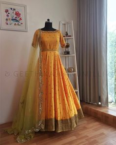 New indian bridal reception dress gowns colour ideas Robe Anarkali, Anarkali Dress, Anarkali Suits, Anarkali Bridal, Designer Kurtis, Designer Anarkali, Indian Attire, Indian Outfits, Indian Designer Outfits