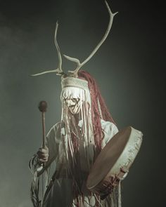 267 vind-ik-leuks, 0 reacties - Lasse Norlemann Mathiesen (@norlemann) op Instagram: 'Maria with Heilung @amplifiedhistory at the Roundhouse / Camden - - - - - #heilungband #heilung…' Pagan Music, Pagan Art, Medieval Fantasy, Dark Fantasy, Mask Dance, Metal Girl, Norse Mythology, Viking Makeup, World Of Chaos