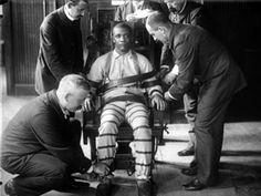 La curiosa historia de la creación de la silla eléctrica: http://www.muyinteresante.es/historia-de-la-silla-electrica