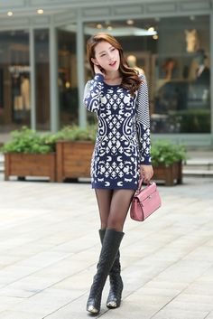 Women's Trendy White O-Neck Print Worsted Above Knee Long Sleeve Bodycon Dress ♥ http://www.koreastylelove.com/blue-white-spring-2015-trend-korean-spring-fashion/