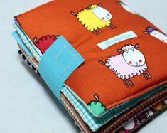 Artículos similares a Quiet Book For Toddlers, Fabric Activity book, Children en Etsy