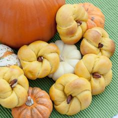Pumpkin Dinner Rolls Makes 32 3-inch rolls. 1/4 cup warm water 1 tablespoon active dry yeast 6 tablespoons butter 1/8 teaspoon saffron 1 1/2...