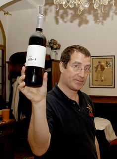 Winner of the Schnitzel:Grüner Veltlliner tasting Wiener Schnitzel, Red Wine, Alcoholic Drinks, Bottle, Wine, Alcoholic Beverages, Flask, Red Wines, Liquor