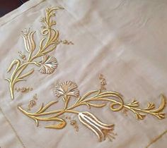 Types Of Embroidery, Gold Embroidery, Machine Embroidery, Embroidery Designs, Embroidery Dress, Creative Embroidery, Brazilian Embroidery, Gold Work, Satin Stitch