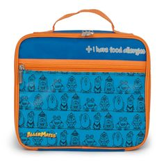 "These food allergy lunch bags are perfect for kids with allergies. The insulated lunch bag reads: ""I have food allergies'. Alerting other to you child's allergies at snack & lunch breaks is important. Kids Lunch Bags, Lunch Box, Allergies Alimentaires, Kids Allergies, Insulated Lunch Tote, Boite A Lunch, Wheat Gluten, Blue Bags, Safe Food"