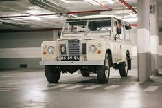 //\\ This Vintage Land Rover SIII 109 Overdrive Is Just Legendary. One hell of an #adventuremobile.