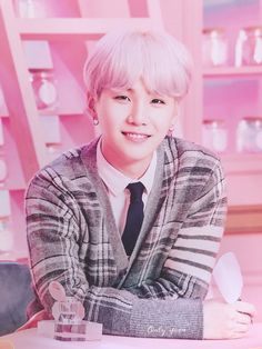 Shared by Find images and videos about kpop, bts and jungkook on We Heart It - the app to get lost in what you love. Bts Suga, Bts Kim, Min Yoongi Bts, Bts Bangtan Boy, Namjoon, Seokjin, Taehyung, Daegu, K Pop