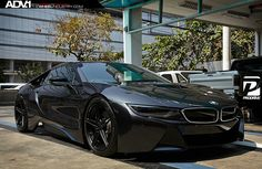 The BMW was unveiled at the Frankfurt Motor Show in 2013 and is a plug in hybrid sports car. The combines a turbo charged motor with a large electric engine and the car has some impressive performance figures. Bmw I8 Black, Corvette, E90 Bmw, Looks Teen, Bmw Performance, Bmw Classic Cars, Car Memes, Car Goals, Super Sport Cars