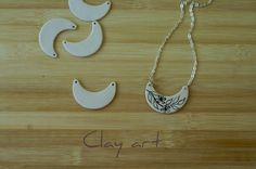Colgante media Luna  porcelana 1 und de Clay art por DaWanda.com