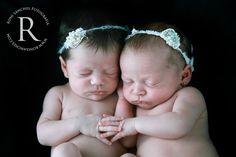 Fotografia Newborn - Estúdio Roni Sanches www.ronisanches.com  #fotografia…