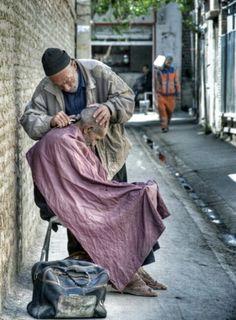A street barber in Shiraz