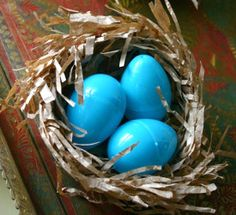 Tutorial: Give your Easter eggs a nice place to rest with the Lunch Bag Bird's Nest.