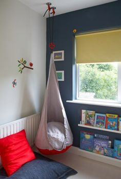Reading corner for kids | EKORRE hanging seat | Put books where they can reach them!