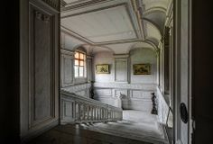 Abandoned chateau Belgium (the grand staircase)