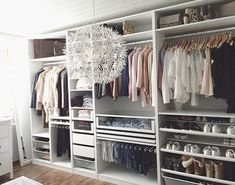 Home Inspiration IKEA PAX wardrobe. Inspiration and different combinations for the perfect dressing Ikea Closet, Wardrobe Closet, Closet Storage, Closet Organization, Organization Ideas, Bedroom Storage, Closet Drawers, Storage Ideas, Ikea Storage