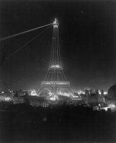 La torre durante la Exposición Universal de 1900.