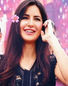 Katty - The Queen Of Dance Brown Things brown yellow color code Bollywood Stars, Indian Bollywood, Bollywood Actress, Looking Gorgeous, Most Beautiful, Katrina Kaif Photo, Deepika Padukone Style, Young Female, Indian Celebrities