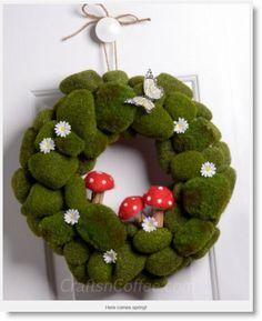 moss-mushroom wreath ♥ http://felting.craftgossip.com/2013/04/11/moss-rocks-felt-mushroom-spring-wreath-tutorial/