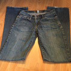 272b0d0a410 A F jeans - listing 👖size   - stretch 🔹lightly destroyed look (factory  made) - fraying on the back pockets and bottoms 🔹