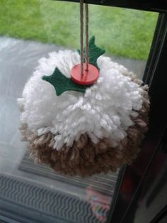 pompom christmas pudding
