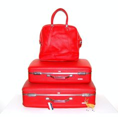 Red Vintage Luggage Trio