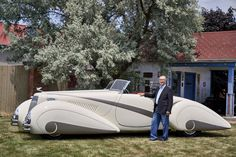 A 1937 Cadillac Is Poised to Wow Pebble Beach Jim Patterson, an entrepreneur from Louisville, Ky., with his 1937 Cadillac. The car is near… Cadillac, Ford Classic Cars, Best Classic Cars, Fiat 500, Vintage Cars, Antique Cars, Vintage Items, Art Deco Car, Convertible