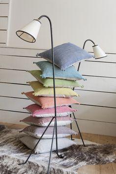 """Coussin VIVARAISE """"MINHO"""" - Coussins VIVARAISE FABIO, 30 coloris mats coordonnables www.lacompagniefrancaise.com"""